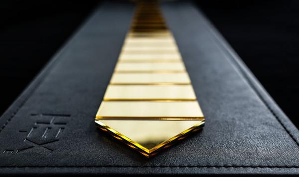 corbata de oro