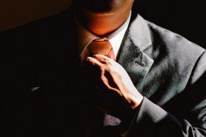 El Uso de la Corbata; ¿podría afectar nuestra salud?