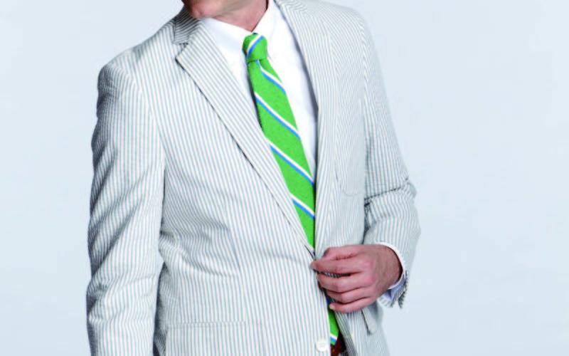 corbata verde  traje blanco